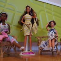 Bier & Barbie: Spielzeug aus der Kindheit der Herzkönigin